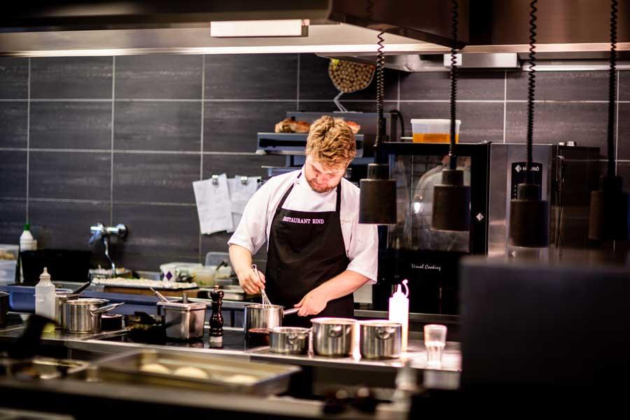 Qué productos usar para limpiar una cocina de un restaurante