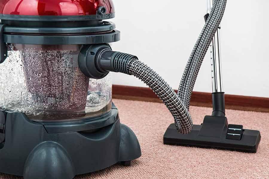 Se pueden utilizar máquinas para facilitar el proceso de limpieza
